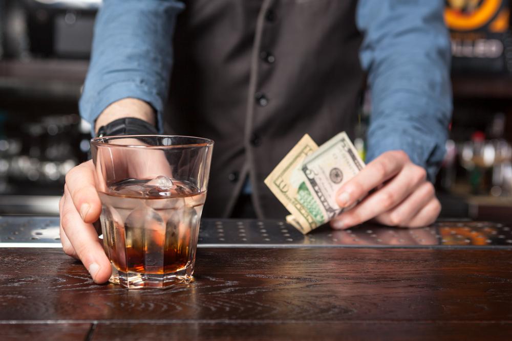bartender getting tips